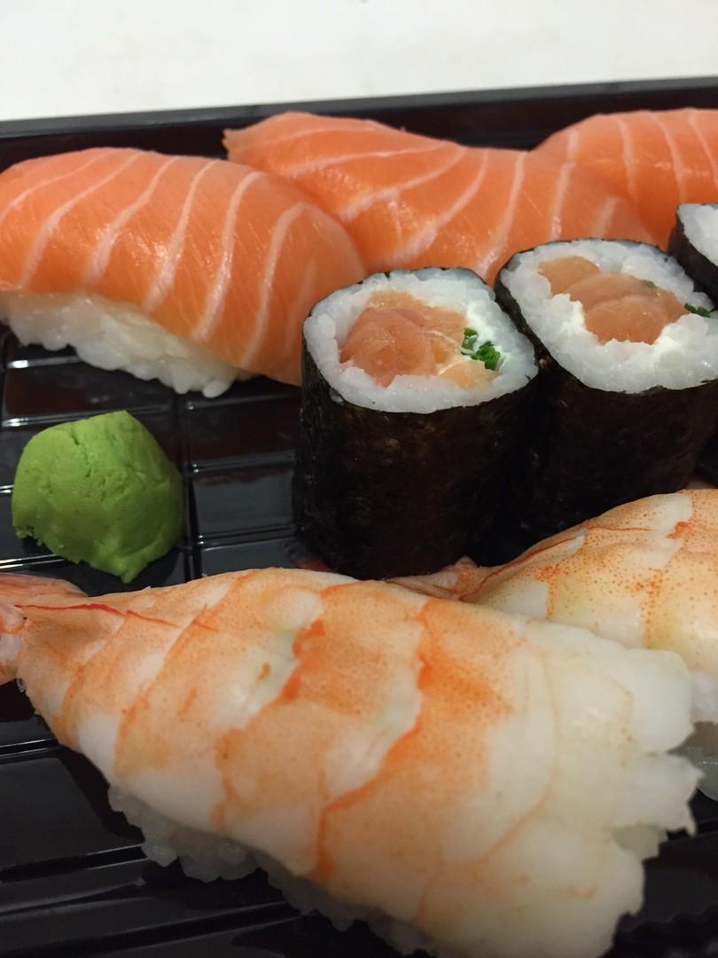 blue marlun sushi koeln 1117 sushinah blue marlin sushi bar. Black Bedroom Furniture Sets. Home Design Ideas